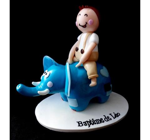 Cake topper Baptême - Léo à dos d'éléphant