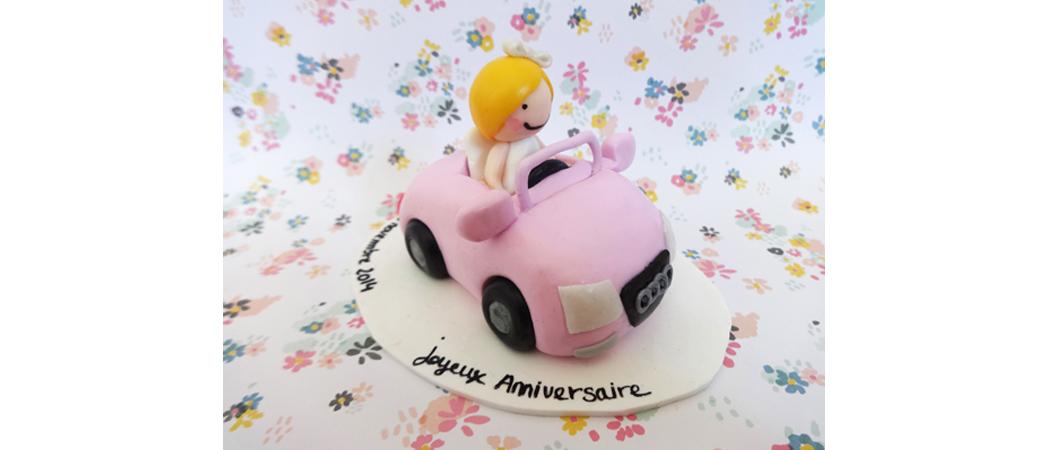 Cake topper Anniversaire – Lyse en cabriolet
