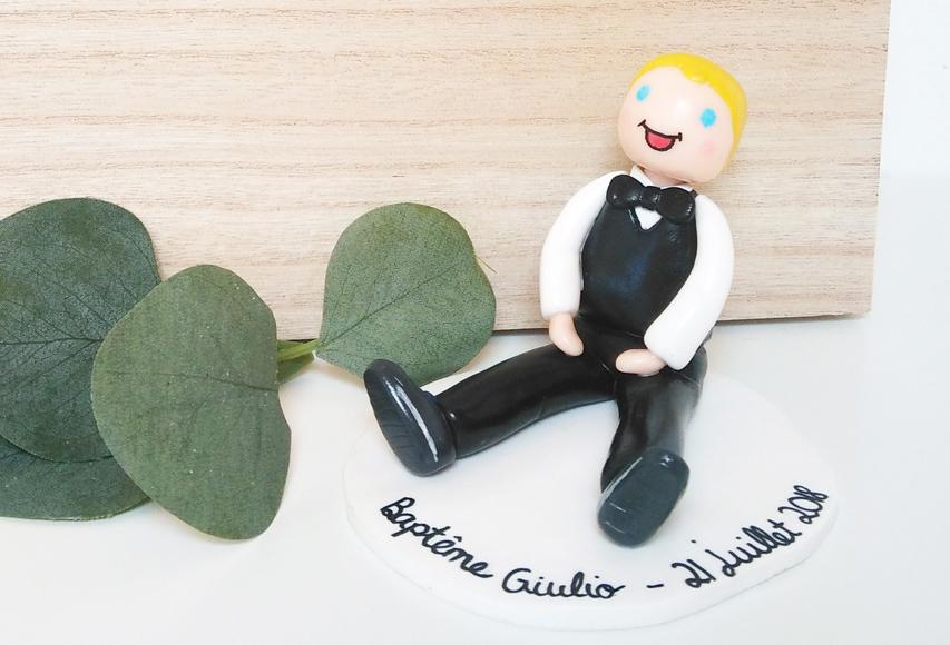 Figurine Giulio – Cake topper Baptême personnalisé by Fée Plaisir